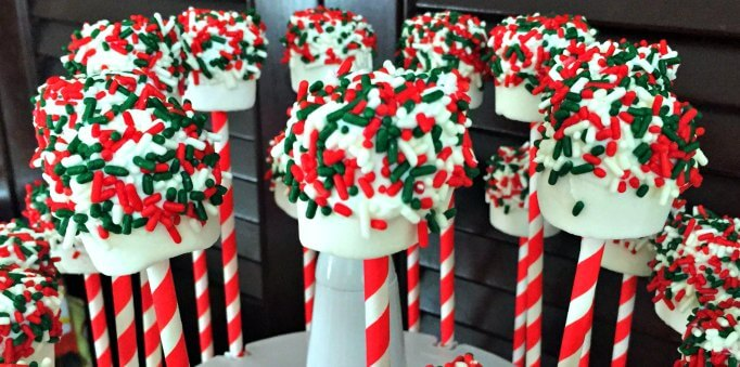 "Christmas ""Marshmallow"" Pops – An Easy Holiday Recipe"