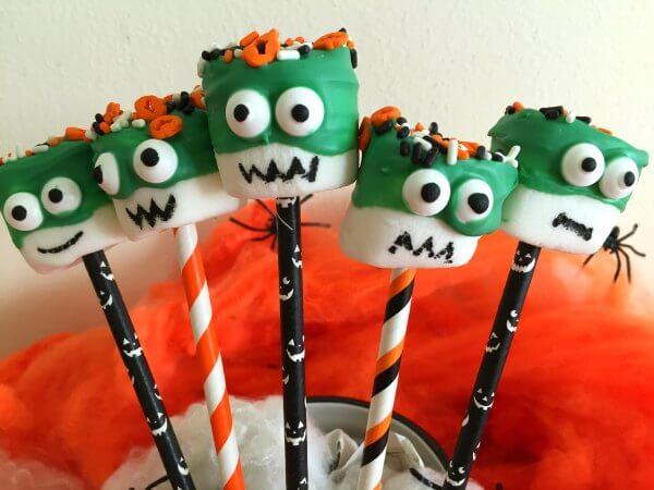 "How to Make Halloween ""Monster"" Marshmallow Pops"