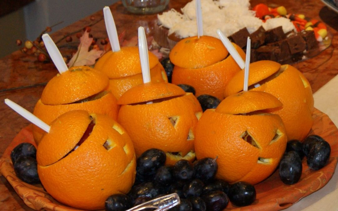 How to Make Halloween Jack-O-Lantern Oranges